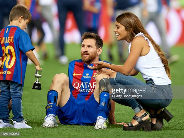 Lionel Messi of FC Barcelona celebrates with his wife Antonella Roccuzzo and children after winning the Copa Del Rey Final match between FC Barcelona...