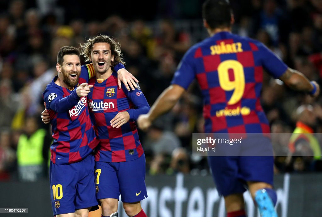 FC Barcelona v Borussia Dortmund: Group F - UEFA Champions League : ニュース写真