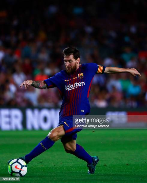 Lionel Messi of FC Barcelona controls the ball during the La Liga match between FC Barcelona and Real Betis Balompie at Camp Nou stadium on August 20...
