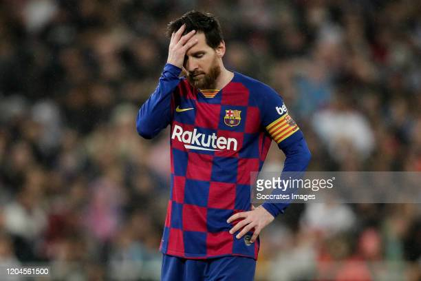 2 095 Lionel Messi Sad Photos And Premium High Res Pictures Getty Images