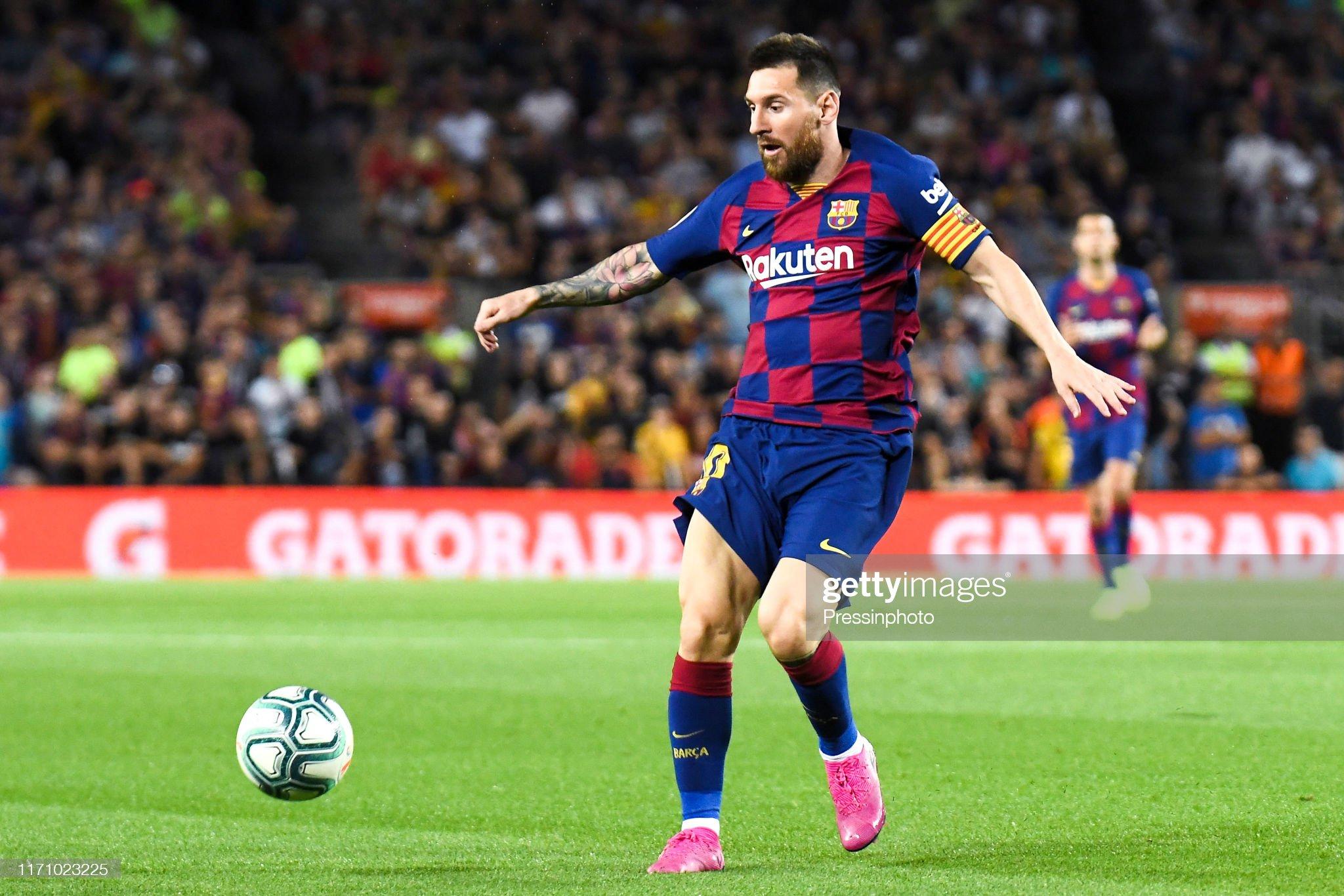 صور مباراة : برشلونة - فياريال 2-1 ( 24-09-2019 )  Lionel-messi-of-fc-barcelona-during-the-liga-match-between-barcelona-picture-id1171023225?s=2048x2048