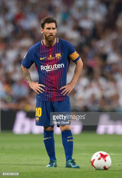 Lionel Messi of FC Barcelona gets ready to take a free kick during the Supercopa de Espana Final 2nd Leg match between Real Madrid and FC Barcelona...