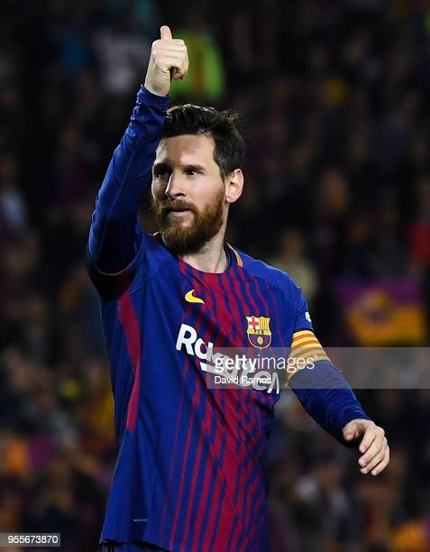 Lionel Messi of FC Barcelona gives his thumbs up during the La Liga match between Barcelona and Real Madrid at Camp Nou on May 6 2018 in Barcelona...