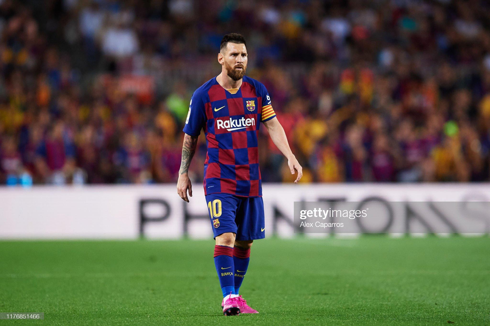 صور مباراة : برشلونة - فياريال 2-1 ( 24-09-2019 )  Lionel-messi-of-fc-barcelona-looks-on-during-the-liga-match-between-picture-id1176851466?s=2048x2048