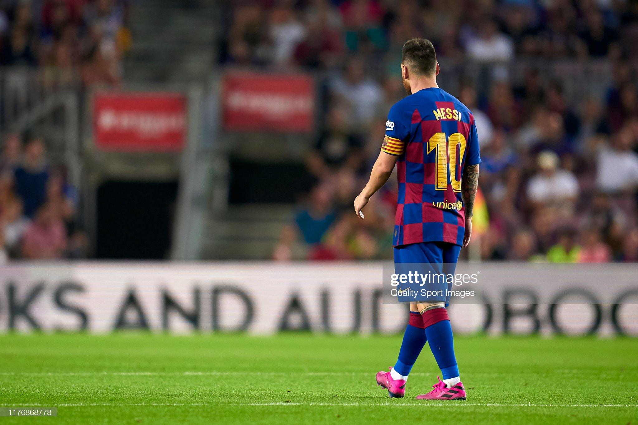 صور مباراة : برشلونة - فياريال 2-1 ( 24-09-2019 )  Lionel-messi-of-fc-barcelona-looks-on-during-the-liga-match-between-picture-id1176868778?s=2048x2048