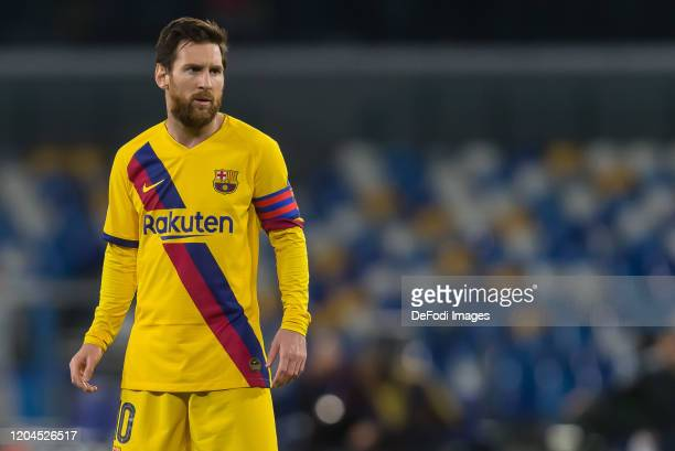 Lionel Messi of FC Barcelona Looks on during the UEFA Champions League round of 16 first leg match between SSC Napoli and FC Barcelona at Stadio San...
