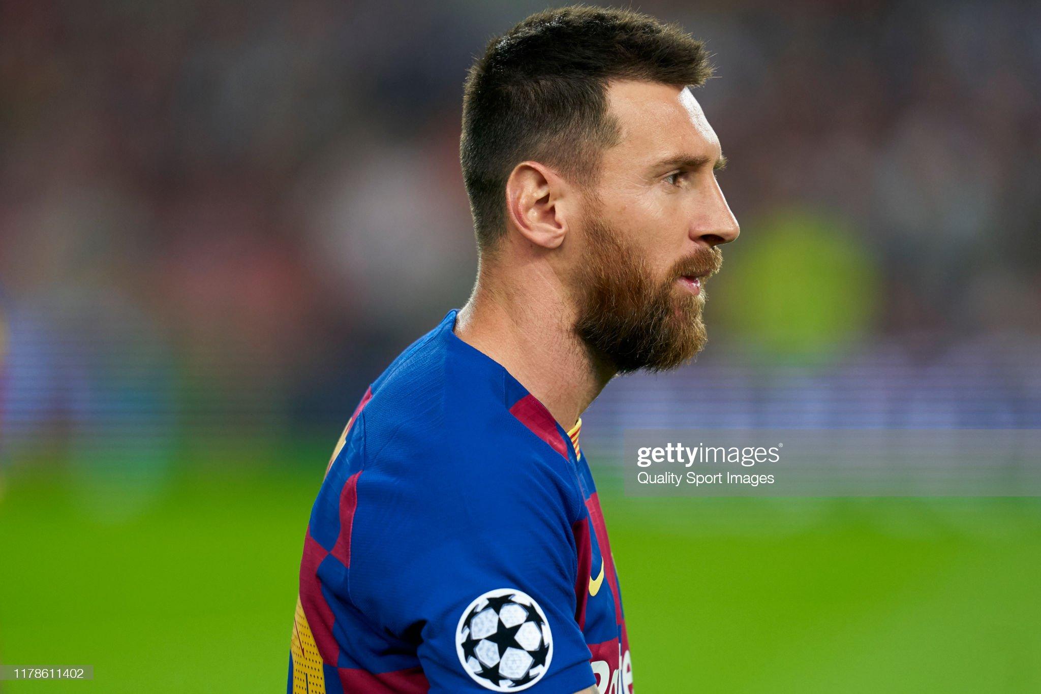 صور مباراة : برشلونة - إنتر 2-1 ( 02-10-2019 )  Lionel-messi-of-fc-barcelona-looks-on-prior-to-the-uefa-champions-f-picture-id1178611402?s=2048x2048