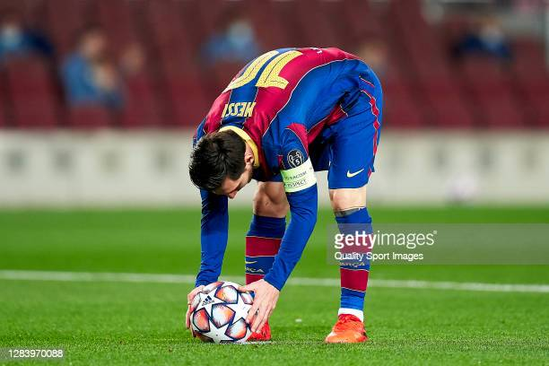 Lionel Messi of FC Barcelona prior to kick a penalty during the UEFA Champions League Group G stage match between FC Barcelona and Dynamo Kyiv at...