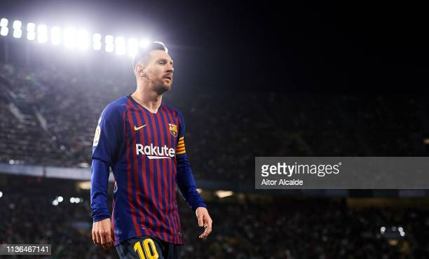 Lionel Messi of FC Barcelona reacts during the La Liga match between Real Betis Balompie and FC Barcelona at Estadio Benito Villamarin on March 17...