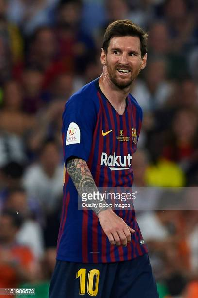 Lionel Messi of FC Barcelona reacts during the Spanish Copa del Rey Final match between Barcelona and Valencia at Estadio Benito Villamarin on May 25...
