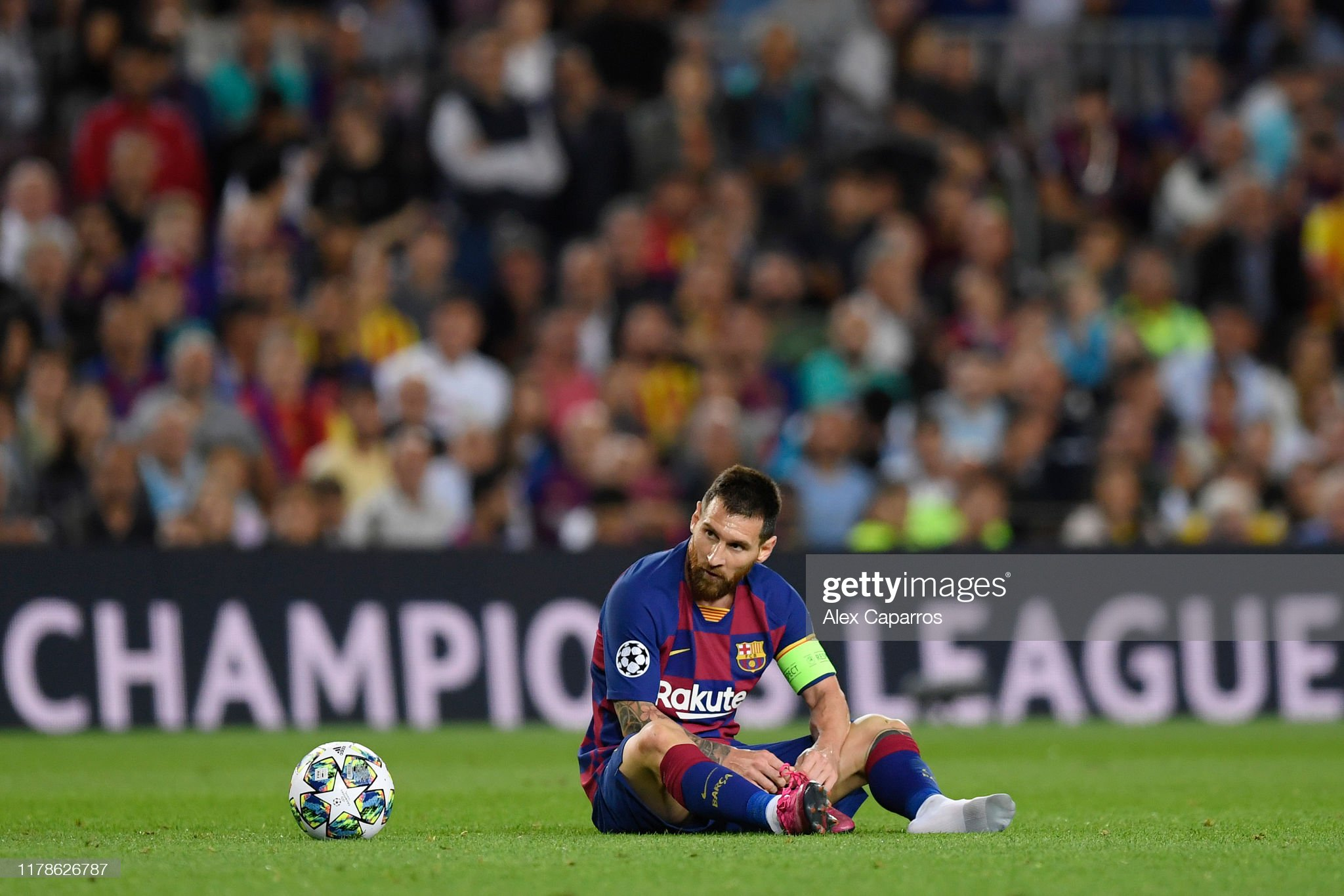 صور مباراة : برشلونة - إنتر 2-1 ( 02-10-2019 )  Lionel-messi-of-fc-barcelona-reacts-during-the-uefa-champions-league-picture-id1178626787?s=2048x2048