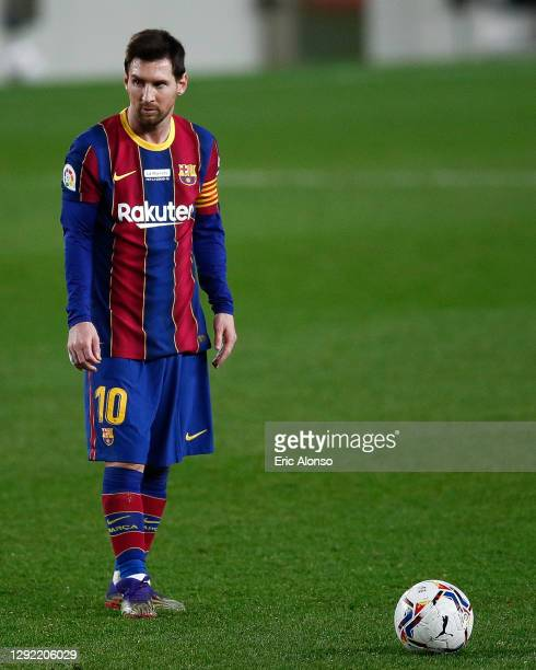 Lionel Messi of FC Barcelona ready for shot a free kick during the La Liga Santander match between FC Barcelona and Valencia CF at Camp Nou on...