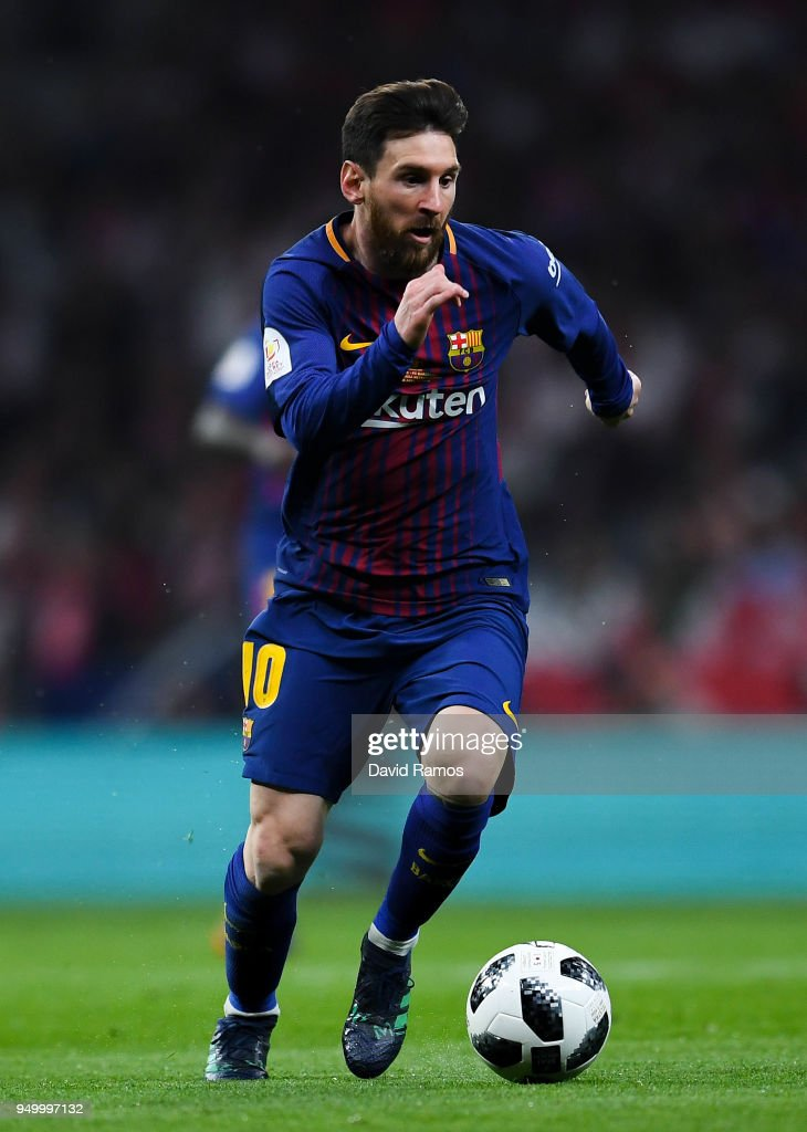 Lionel Messi of FC Barcelona runs with the ball during the Spanish Copa del Rey Final match between Barcelona and Sevilla at Wanda Metropolitano stadium on April 21, 2018 in Barcelona, Spain.