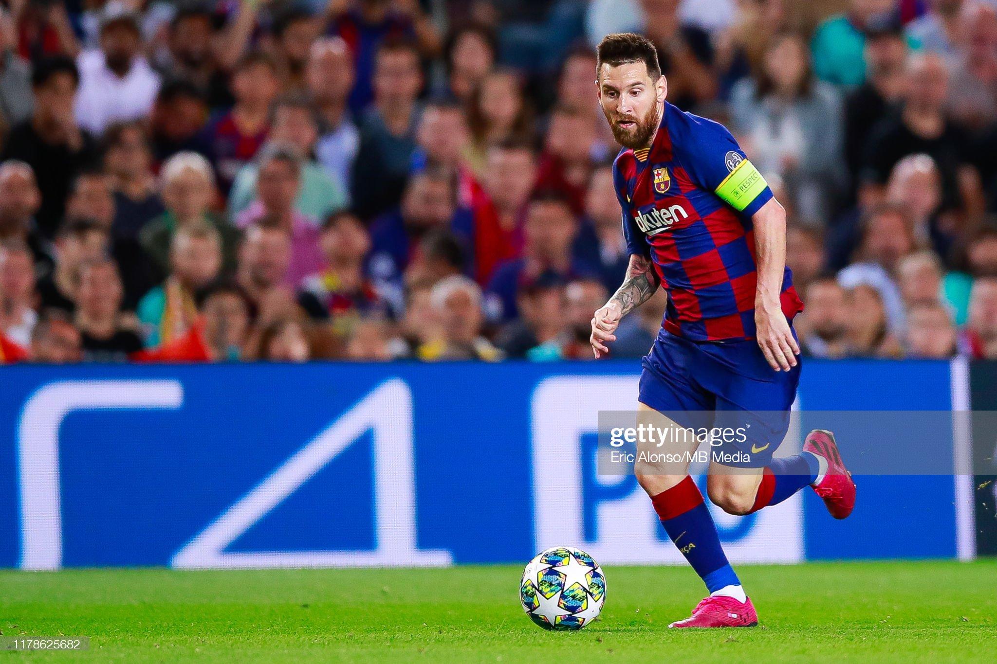 صور مباراة : برشلونة - إنتر 2-1 ( 02-10-2019 )  Lionel-messi-of-fc-barcelona-runs-with-the-ball-during-the-uefa-f-picture-id1178625682?s=2048x2048