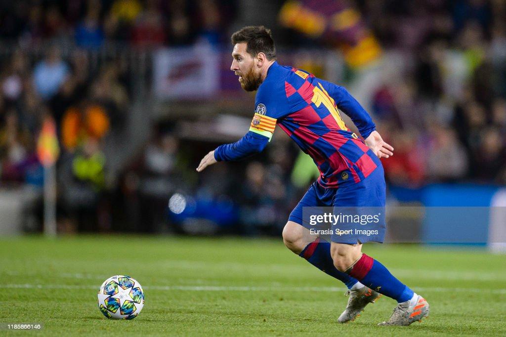FC Barcelona v Slavia Praha: Group F - UEFA Champions League : News Photo