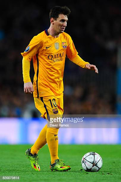 Lionel Messi of FC Barcelona runs with the ball during the UEFA Champions League quarter final first leg match between FC Barcelona and Club Atletico...