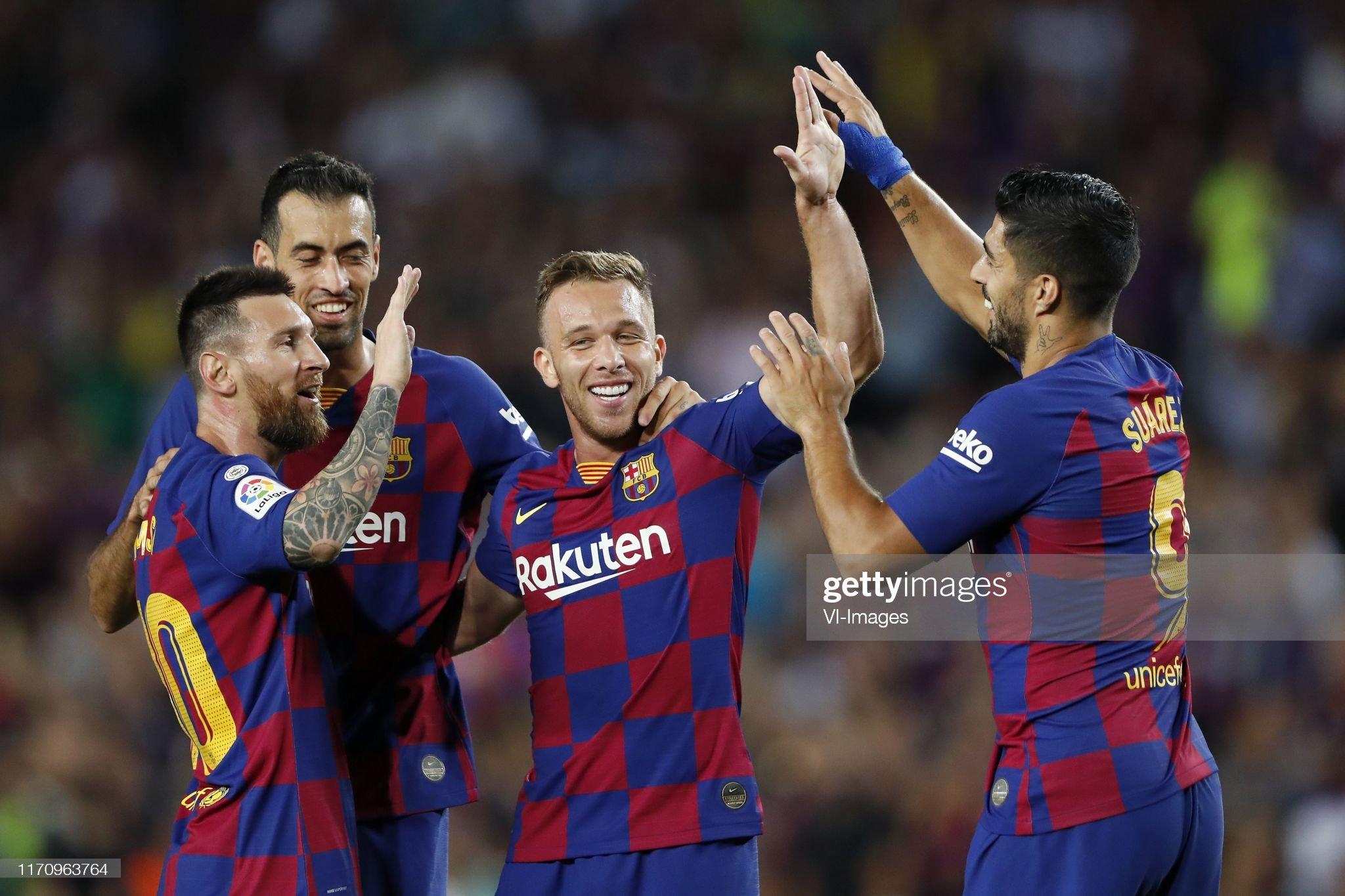 صور مباراة : برشلونة - فياريال 2-1 ( 24-09-2019 )  Lionel-messi-of-fc-barcelona-sergio-busquets-of-fc-barcelona-arthur-picture-id1170963764?s=2048x2048