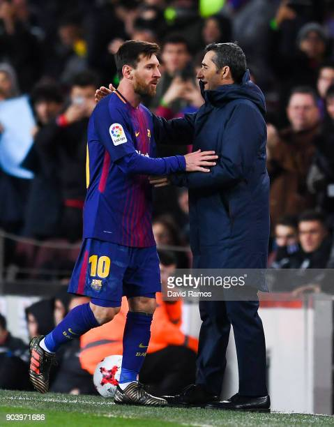 Lionel Messi of FC Barcelona shakes hands with Head coach Ernesto Valverde of FC Barcelona during the Copa del Rey round of 16 second leg match...