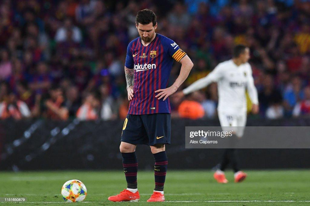 Barcelona v Valencia - Spanish Copa del Rey Final : Fotografía de noticias