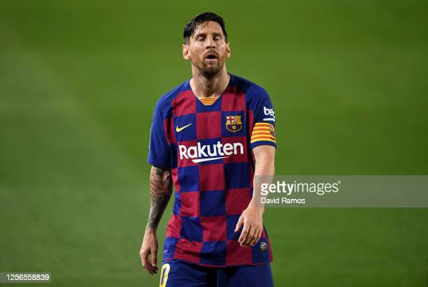 Lionel Messi of FC Barcelona shows his disappointment during the Liga match between FC Barcelona and CA Osasuna at Camp Nou on July 16 2020 in...