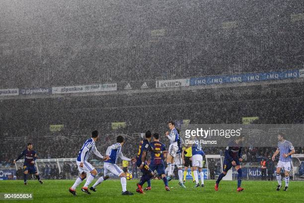 Lionel Messi of FC Barcelona takes a free kick during the La Liga match between Real Sociedad and FC Barcelona at Anoeta stadium on January 14 2018...