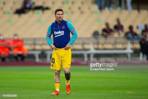 Lionel Messi of FC Barcelona warms up before the Copa del Rey Final match between Athletic Club de Bilbao and FC Barcelona at La Cartuja stadium on...