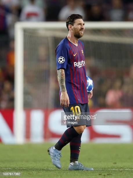Lionel Messi of FC Barcelona with the match ball after his hattrick during the UEFA Champions League group B match between FC Barcelona and PSV...
