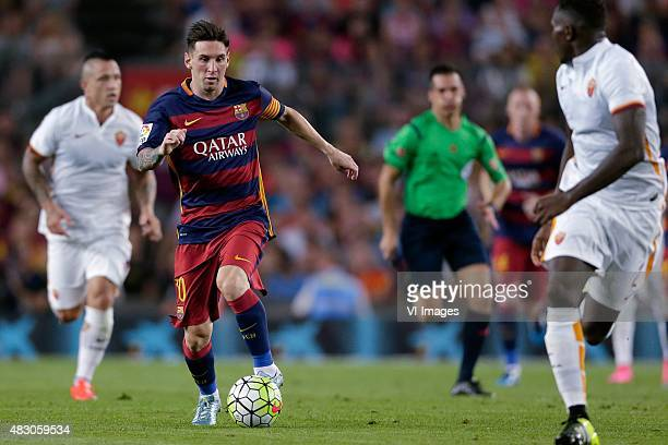 Lionel Messi of FC Barcelona Y Mapou of AS Roma during the Joan Gamper Trophy match between Barcelona and AS Roma on August 5 2015 at the Camp Nou...