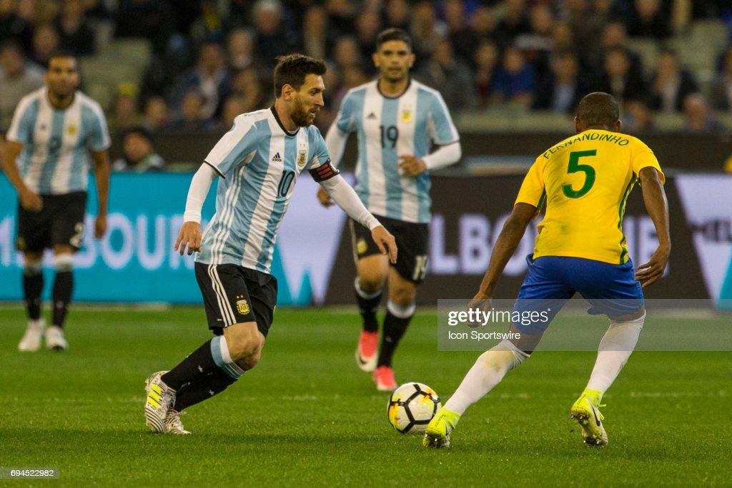 SOCCER: JUN 09 Brazil Global Tour - Brazil v Argentina : News Photo