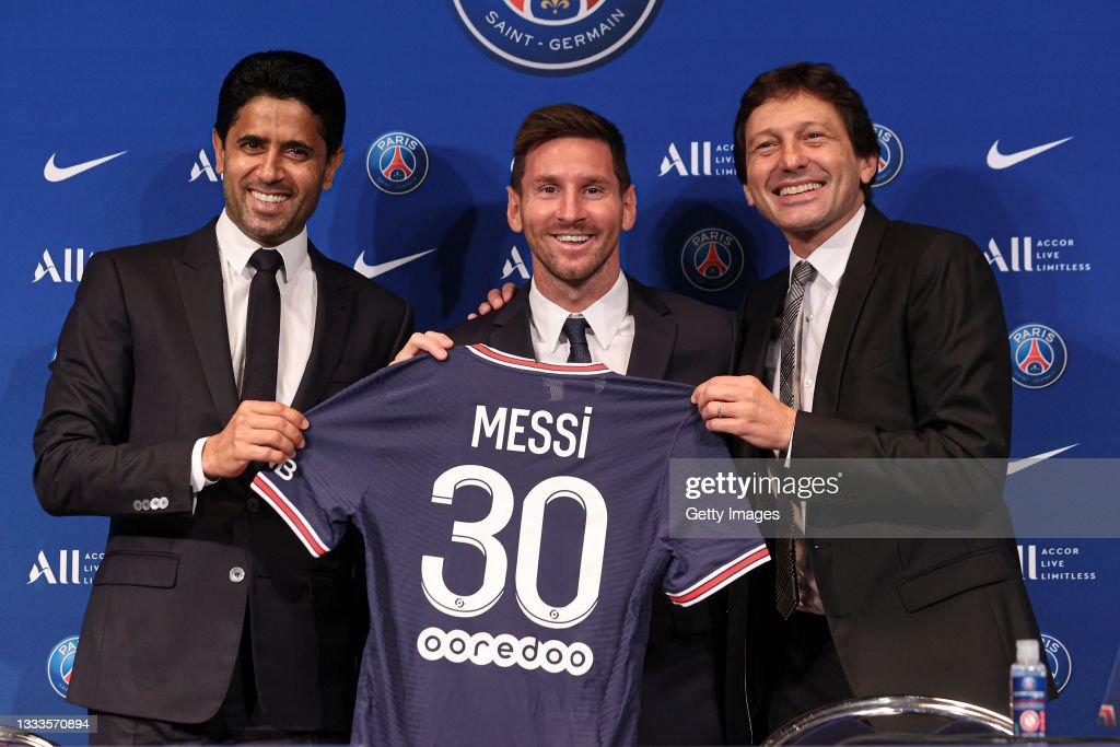 Lionel Messi - Presentation at Paris Saint-Germain : News Photo