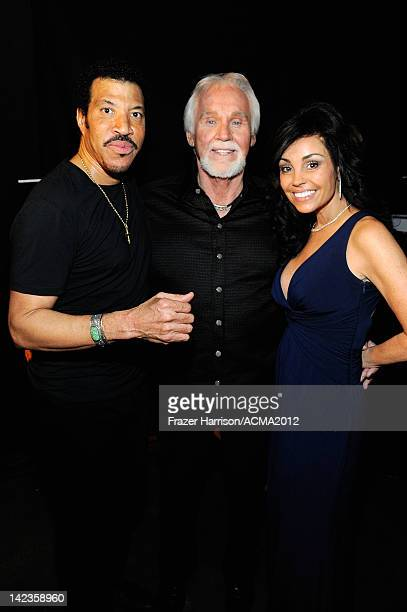 Lionel Richie Kenny Rogers and Wanda Miller attend the Lionel Richie and Friends in Concert presented by ACM held at the MGM Grand Garden Arena on...