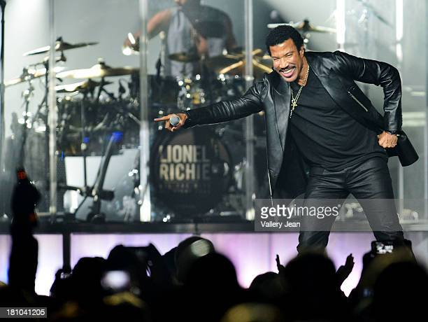 Lionel Richie performs at Hard Rock Live! in the Seminole Hard Rock Hotel & Casino on September 18, 2013 in Hollywood, Florida.