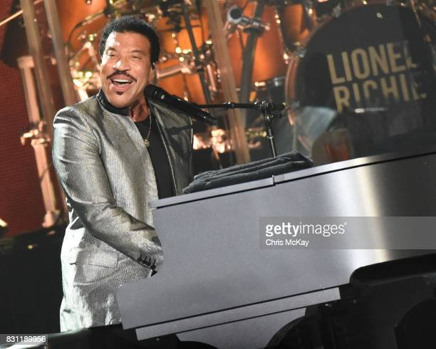 Lionel Richie performs at Infinite Energy Arena on August 13 2017 in Duluth Georgia
