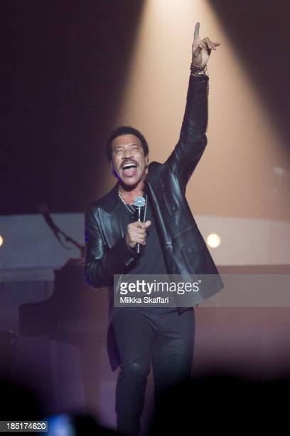 Lionel Richie performs at SAP Center on October 17, 2013 in San Jose, California.