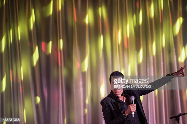 Lionel Richie performs during a dinner for participants of the US Africa Leaders Summit August 5 2014 in Washington DC AFP PHOTO/Brendan SMIALOWSKI