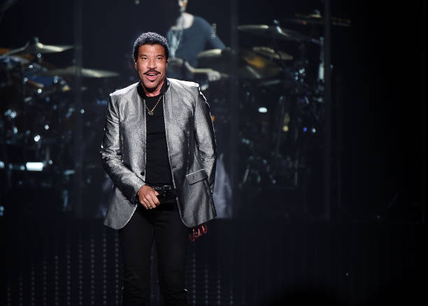 lionel richie with very special guest mariah carey in concert new york new york photos and