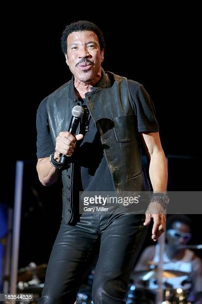 Lionel Richie performs in concert during day 3 of the Austin City Limits Music Festival at Zilker Park on October 6, 2013 in Austin, Texas.