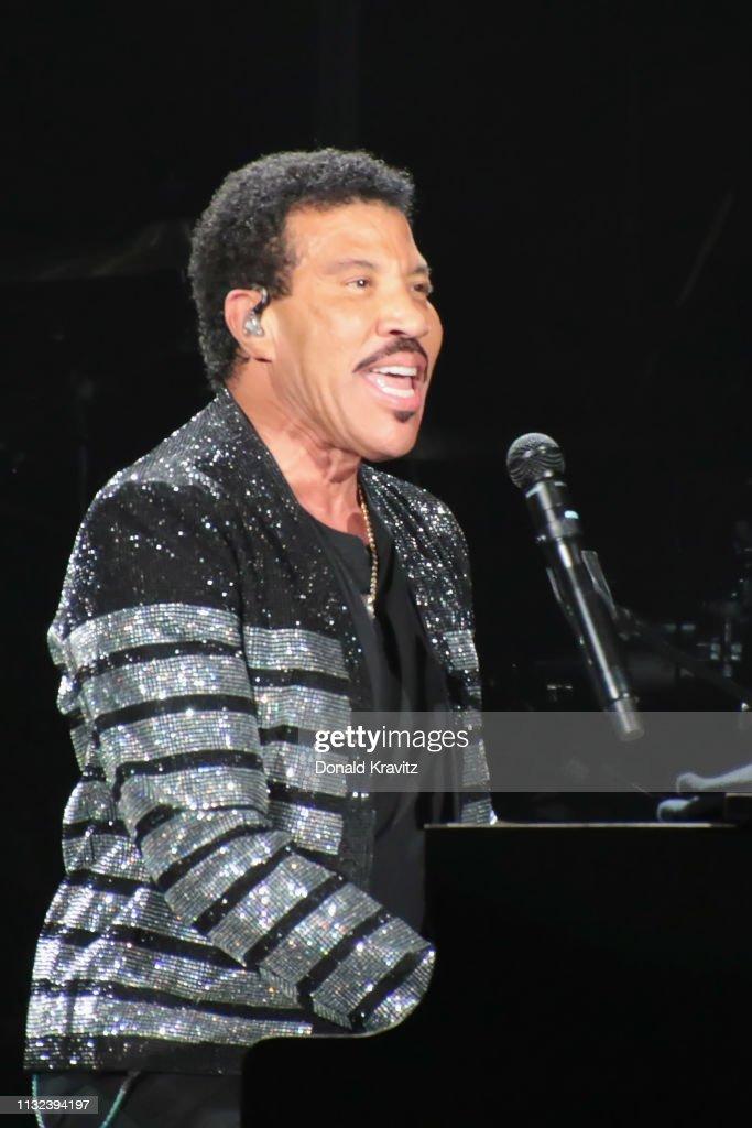 NJ: Lionel Richie In Concert - Atlantic City, New Jersey