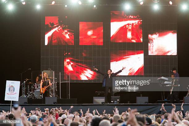 Lionel Richie performs on stage at Edinburgh Castle on July 22 2015 in Edinburgh United Kingdom