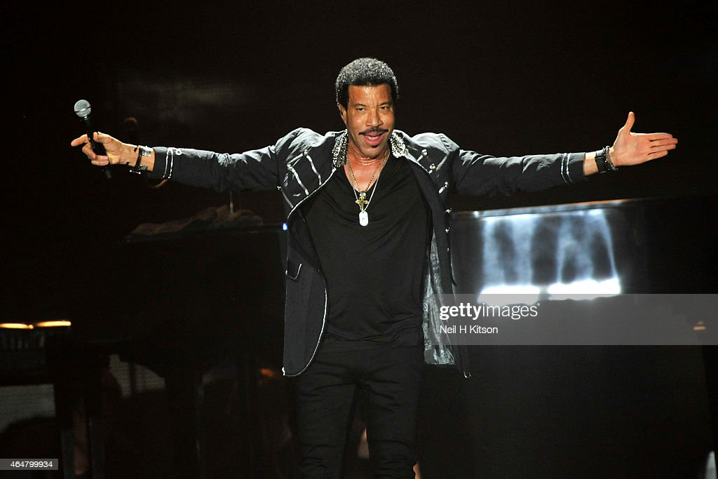 Lionel Richie performs on stage at Manchester Arena on February 28, 2015 in Manchester, United Kingdom.
