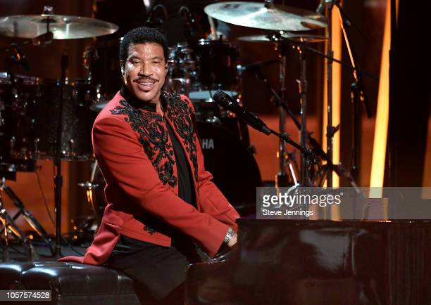Lionel Richie performs onstage at the 2019 Breakthrough Prize at NASA Ames Research Center on November 4 2018 in Mountain View California