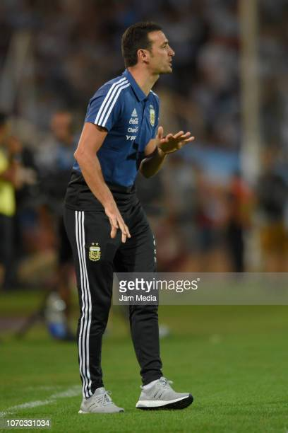 Lionel Scaloni coach of Argentina gestures during a friendly match between Argentina and Mexico at Malvinas Argentinas Stadium on November 20 2018 in...