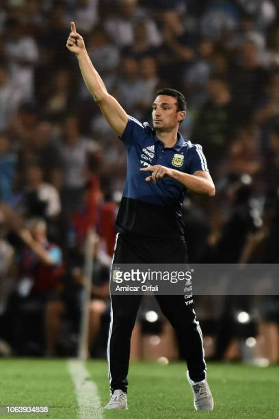 Lionel Scaloni head coach of Argentina gestures during a friendly match between Argentina and Mexico at Malvinas Argentinas Stadium on November 20...