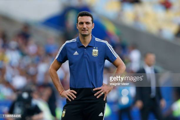Lionel Scaloni head coach of Argentina reacts during the Copa America Brazil 2019 quarterfinal match between Argentina and Venezuela at Maracana...