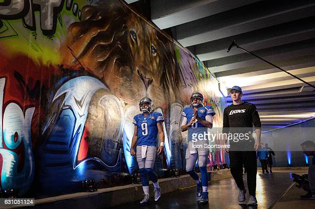 Lions quarterbacks Matthew Stafford and Dan Orlovsky head down the tunnel prior to a during a NFC North NFL football game between Detroit and Green...