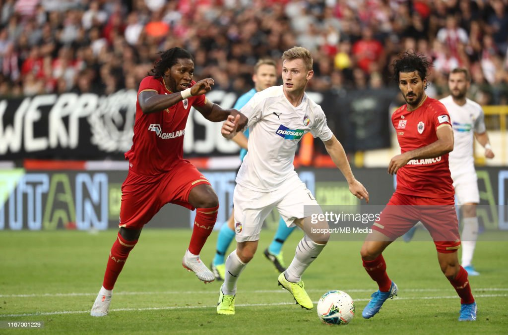 Royal Antwerp Fc vs Fc Viktoria Plzen - UEFA Europa League Third Qualifying Round : News Photo