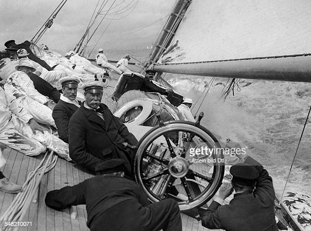 Lipton Thomas Entrepreneur GB/USA *10051850 Founder of the Lipton tea brand on his yacht 'Shamrock III' 1910 Photographer Philipp Kester Published by...