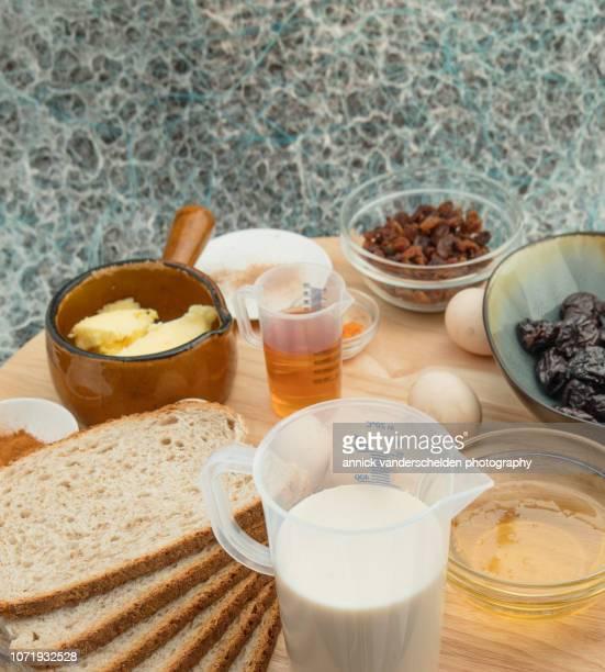 Liqueur bread pudding ingredients