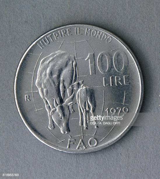 100 lire coin FAO reverse cow and calf Italy 20th century