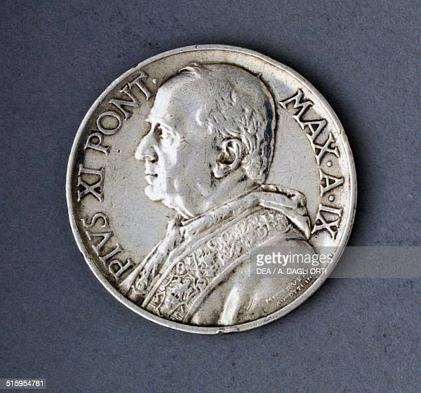 5 lire coin of Pope Pius XI obverse Vatican City 20th century